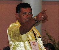 2009_9_09_Faataga a Faataulofa from Samoa makes a point during a Pacific CU technical Congress Session