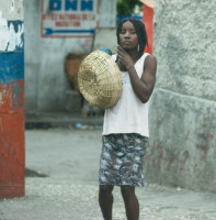 2010_1_19_Hatian girl with basket