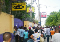 2010_1_28_Fonkoze remittance line in Haiti
