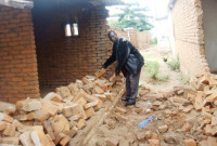 2010_1_7_malawi earthquake victim